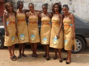 Jeunes Batcha en couleur officielle du village